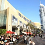 outside-the-dubai-mall-theres-a-gorgeous-promenade-where-people-hang-out