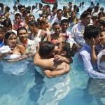 Množična poroka čez 200 perujskih parov na dan zaljubljenih, Valentinovo.