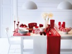 Candy-cane-red-white-Christmas-table