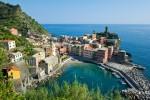 Vernazza. Poznano kot eno najbolj pristnih ribiških mestec v Italijanski rivieri.