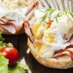 Za zajtrk: jajca benedikt