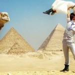 Cheetah Platt in Rhiann Woodyard potujeta po svetu.