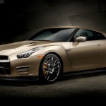 Zlati Nissan GT-R.