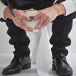 Ali ste vedeli, da sedenje na straniščni školjki škoduje vašemu zdravju?