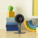 Kamera in detektor dima Nest Cam