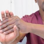 Vaje za roko in zapestje, za primere bolečin zaradi rabe računalnika.
