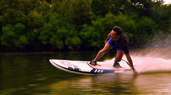 Onean Električna Surf Deska Ki Ne Potrebuje Valov