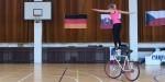 Umetnostna kolesarka Nicole Frýbortová