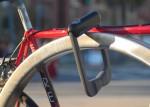 Grasp_bike-lock_Samson-Berhane_Sarb-Singh_dezeen_1568_3