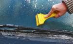 Kako odstraniti led na vetrobranskem steklu na preprost način?