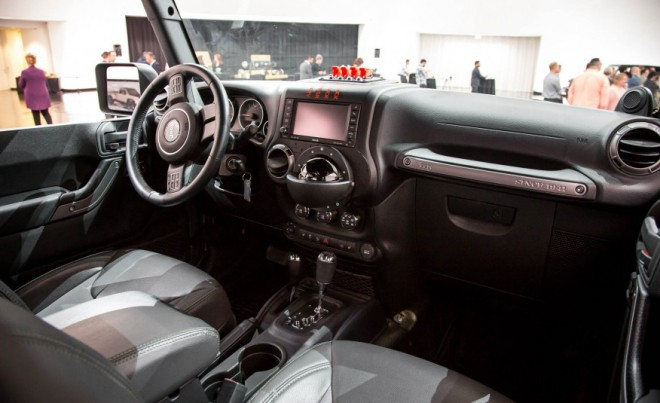 jeep crew chief 715 koncept ki napoveduje terensko surovost citymagazine. Black Bedroom Furniture Sets. Home Design Ideas