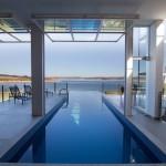 Notranji bazen na obali jezera Furnas