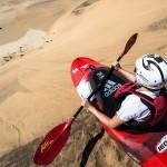 S kajakom po peščenih sipinah puščave Namib