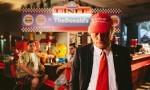 Klemen Slakonja se v svoji najnovejši parodiji noročuje iz Donalda Trumpa.