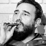 Fidel Castro za 90 let dobil 90-metrsko cigaro.