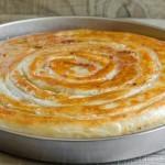 Burek je lahko v bosanski kuhinji le mesni.