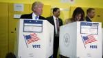 Donald Trumo in Melani Trumo na volišču.