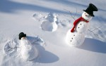funny-snowmen-play-in-the-snow-hd-white-winter-wallpaper-2880x1800