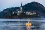 Dvig  potopljenega zvona na Bledu (Foto: Turizem Bled)