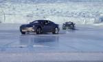 Odnašanje avtomobila na poledenelem cestišču.