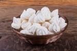 Meringue je preprosta sladica, ki bo navdušila vse ljubitelje sladkega.