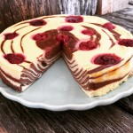 Zebra-Cheesecake-low-carb-angeschnitten