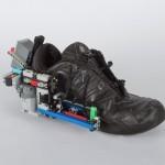 Superge Lego z napravo za zavezovanje čevljev
