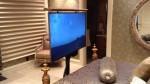 TV pod posteljo