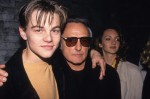 Leonardo DiCaprio in Dennis Hopper proslavljata na zabavi Red Rock West v Clubu USA, 1994.