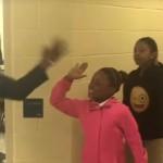 Edinstven pozdrav med učiteljem in učenci