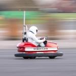 Stig podrl svetovni rekord s predelanim avtomobilčkom za zaletavanje iz šestdesetih.