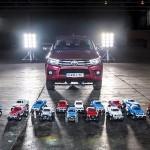 Toyota Hilux vs. Tamiya Bruisers