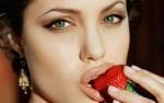 kaj o tebi pove tvoja oblika ustnic