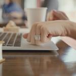 Token – prstan, s katerim lahko odklenete avto ali nakupujete.