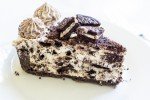 no-bake-cookies-and-cream-cheesecake-slice-side
