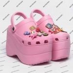 balenciaga-croc-1-818x850