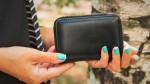 Privabi denar: ko kupuješ denarnico, pazi na njeno barvo!
