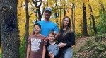 Čudaške družinske fotografije, ob katerih ne boste vedeli ali se naj smejete ali zgražate