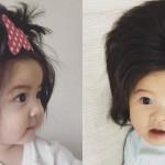 Ta punčka je stara samo 6 mesecev, in to so njeni lasje.