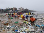 Čiščenje plaže v Mumbaju