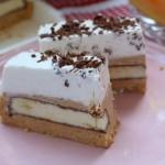 Recept: kremna torta s keksi in melono, pripravljena v 15 minutah.