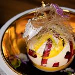 Kaj se nahaja v notranjosti najdražje kepice sladoleda na svetu, ki stane 1500 ameriških dolarjev?