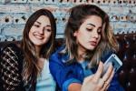 Najstniki se odpravljajo na operacije, da bi dosegli videz fantazijskega sebe na najljubših Snapchat filtrih.