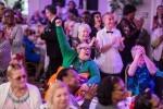 Londonski nočni klub za starejše občane, kjer se odvijajo rejv čajanke