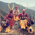 Dih jemajoče fotografije izoliranih plemen, ki nas opominjajo, kje so naše korenine