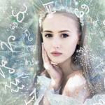 Ideje za božična darila 2018: darila za prijateljico, ki je obsedena z astrologijo