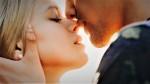 Malenkost, ki šteje veliko: 5 razlogov, zakaj morate VSAK DAN poljubiti partnerja