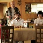 Feng šui: kaj bi morali imeti v jedilnici, da privabimo blagostanje in boljše družinske odnose?