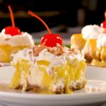 Rapsodija okusov: cheesecake iz pina colade in ananasove kreme