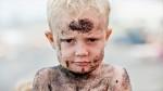 Znanost dokazuje: otroci, ki se igrajo z blatom in peskom, odrastejo močnejši in bolj zdravi